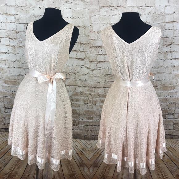 •Tahari • plus size creamy lace rockabilly dress